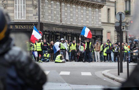 Gilets jaunes : près de 2 000 interpellations en France ce samedi