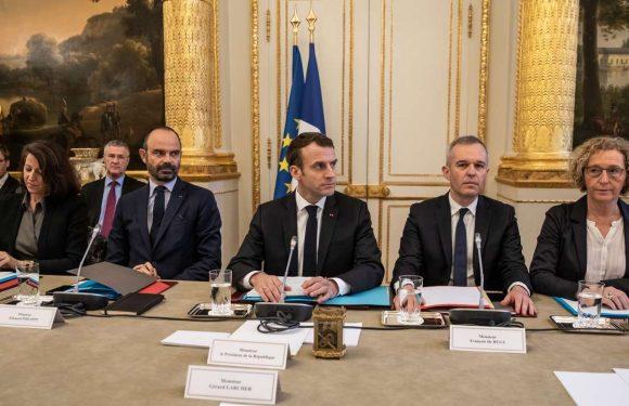 Pour l'opposition et les syndicats, les mesures dévoilées par Macron sont insuffisantes