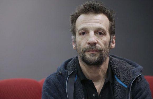 Mathieu Kassovitz s'en prend à Philippe Poutou pour défendre Macron