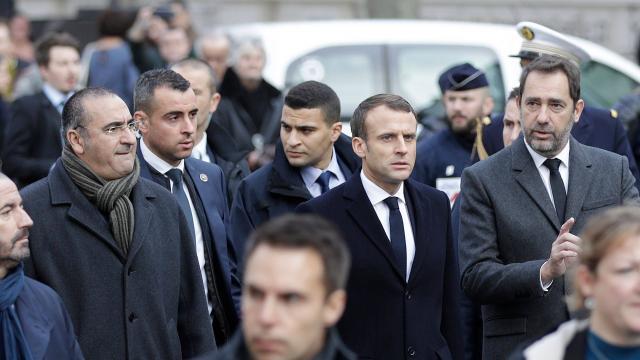 DIRECT. Gilets jaunes : que peut annoncer Emmanuel Macron pour calmer la fronde ?