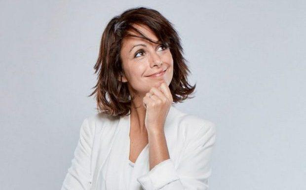 Le Figaro s'attaque au « rire très tendancieux » d'une humoriste proche des Gilets Jaunes et lui reproche de ne pas critiquer Marine Le Pen