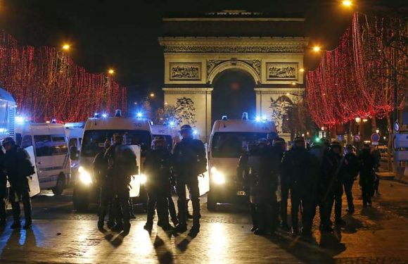 «1,6 policier par Gilet jaune» ? L'opposition fustige les mesures «anti-casseurs» d'Edouard Philippe