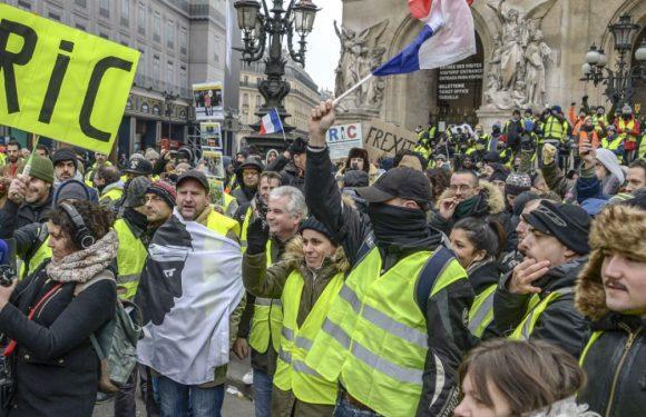 Gilets jaunes : l'Intérieur minimise les chiffres de la mobilisation, mais à quel point ?