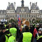 """Premières tensions pour """"l'acte VIII"""" des """"gilets jaunes"""", mobilisés en France"""