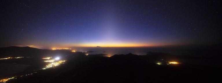 Mayotte : le bruit d'une forte explosion était sans doute due à une météorite