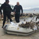 Antibes: Claquette et pot de fleurs, des plongeurs nettoient les fonds marins