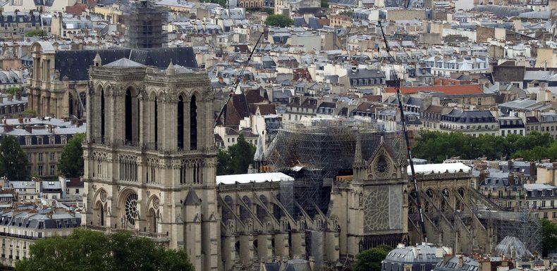 Restauration de Notre-Dame de Paris : une loi polémique pour un projet encore obscur