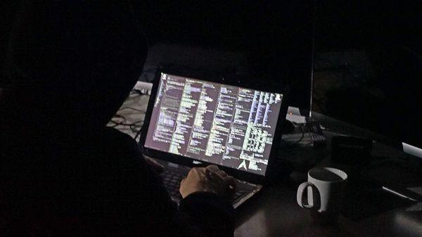 Hackers, trolls et robots russes à l'assaut des élections européennes