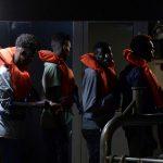 Italie : 135 migrants bloqués sur un navire des garde-côtes