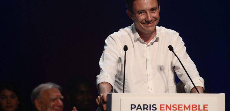 Paris: Benjamin Griveaux envoie des cartes postales aux Parisiens (et se fait pas mal troller)