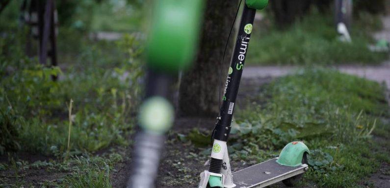 Paris: Le stationnement des trottinettes électriques est définitivement interdit sur les trottoirs