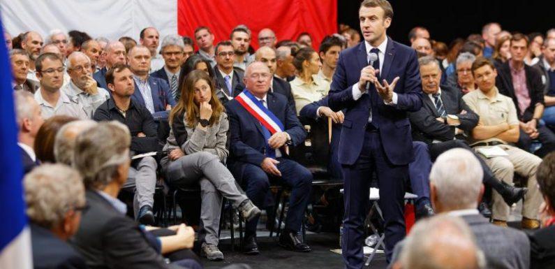 A quatre mois des élections municipales, les maires de France ont rendez-vous mardi avec Emmanuel Macron
