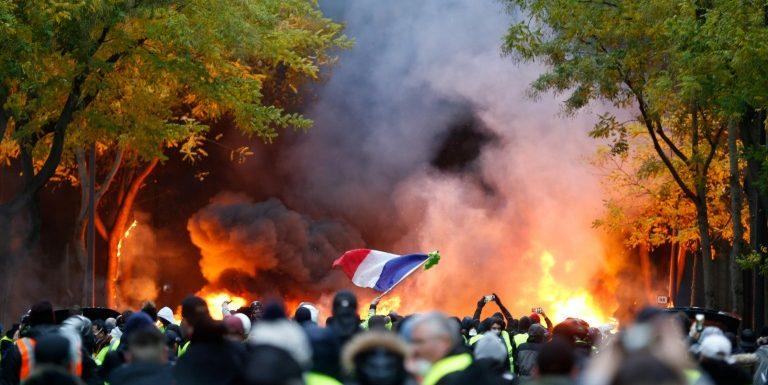 Quelques milliers de «gilets jaunes» manifestent à Paris, 59 interpellations