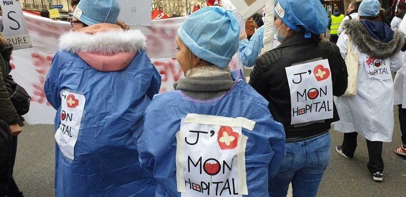 Saint-Valentin : le personnel de l'hôpital public de retour dans la rue a «le cœur brisé»