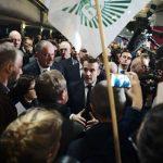 Pris à partie au Salon de l'agriculture, Macron promet de recevoir un groupe de « gilets jaunes »
