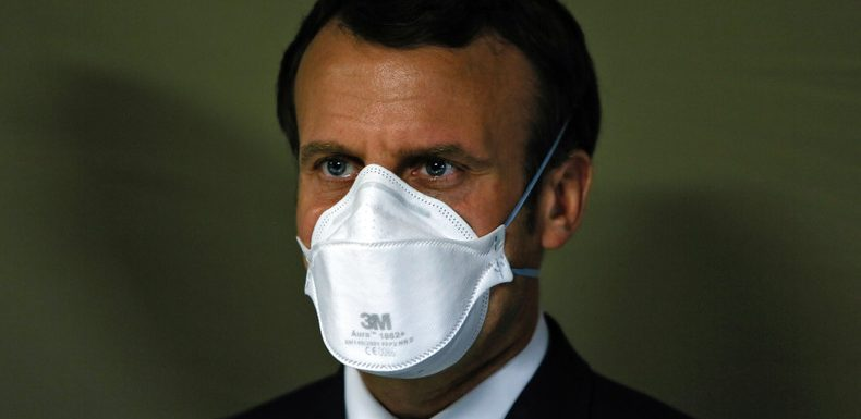 Première apparition masquée d'Emmanuel Macron… à rebours de la communication du gouvernement
