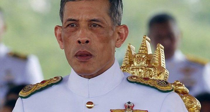 Le roi de Thaïlande se confine avec un harem de 20 femmes dans un hôtel de luxe