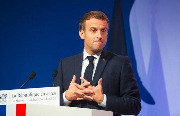 Critiques à gauche, scepticisme à droite, enthousiasme chez les laïques : les réactions au discours de Macron sur le séparatisme
